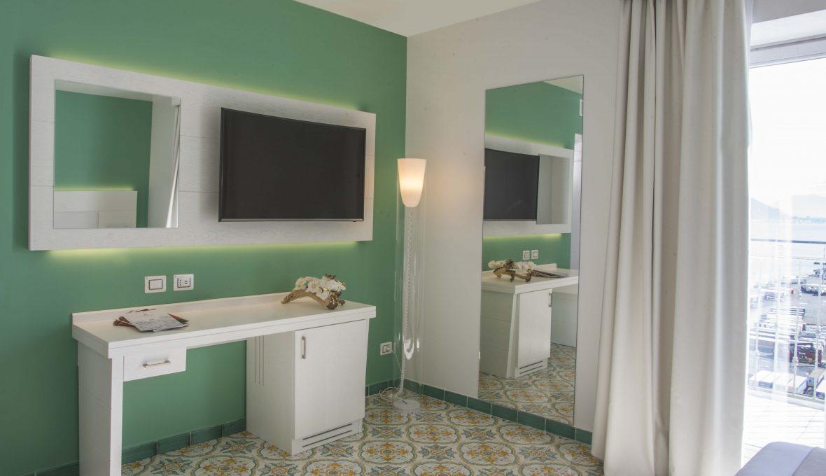 Lloyd's Baia Hotel detail raffaele carrella[:]